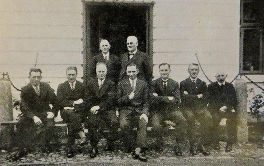 Leitung und Mitarbeiter von Fischzucht und Elektrizitätswerk 1934